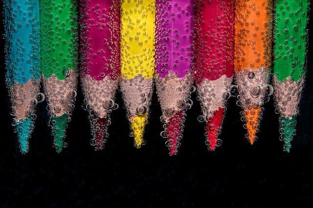 barevne pastelky