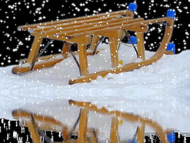 sáňky na sněhu