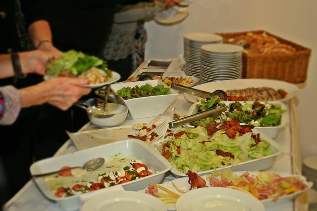 salátový stůl
