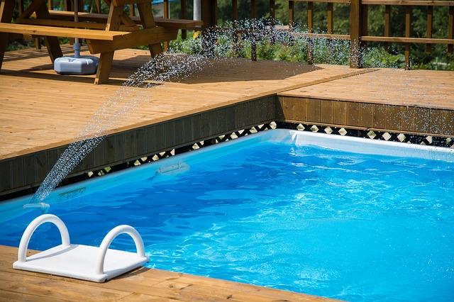 Se solární plachtou se budete vbazénu cítit jako doma
